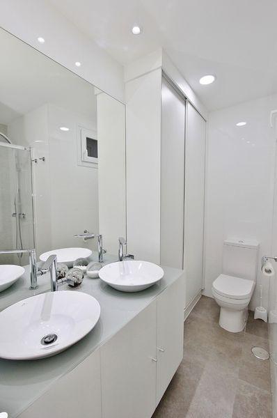 embajadores-baño1