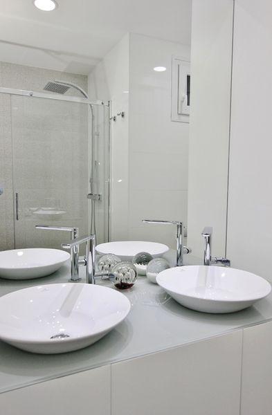 embajadores-baño5